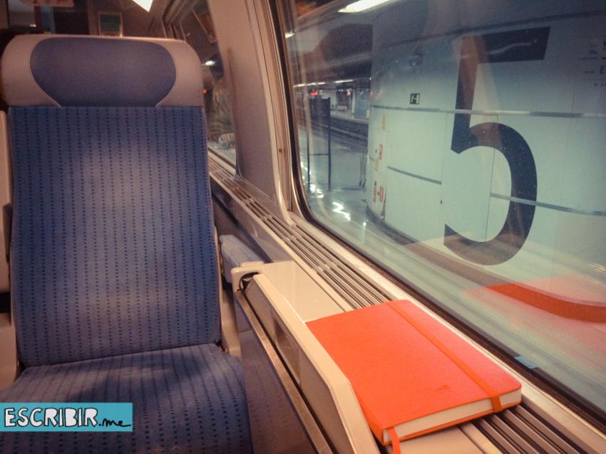 moleskine-roja-tren-2